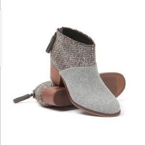 TOMS Leila Felt Wool Ankle 8W Booties